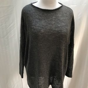 Oversize loose knit pullover in grey. Size M